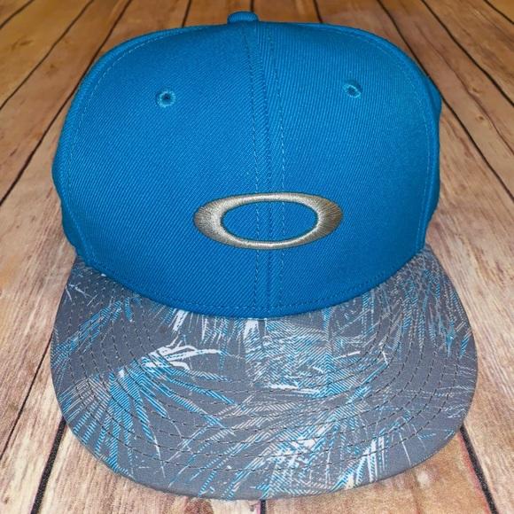 Oakley Other - Oakley Mens Blue baseball hat one size SnapBack